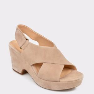 Sandale CLARKS bej, Marilar, din piele intoarsa
