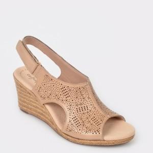 Sandale CLARKS bej, Laflros, din piele naturala