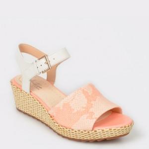 Sandale CLARKS roz, Kamasun, din piele naturala