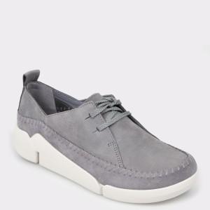 Pantofi CLARKS gri, Triange, din piele intoarsa